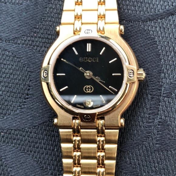 8ac4d970cd3 Gucci Accessories - Ladies Gucci 9200L Watch Gold-tone Black Face